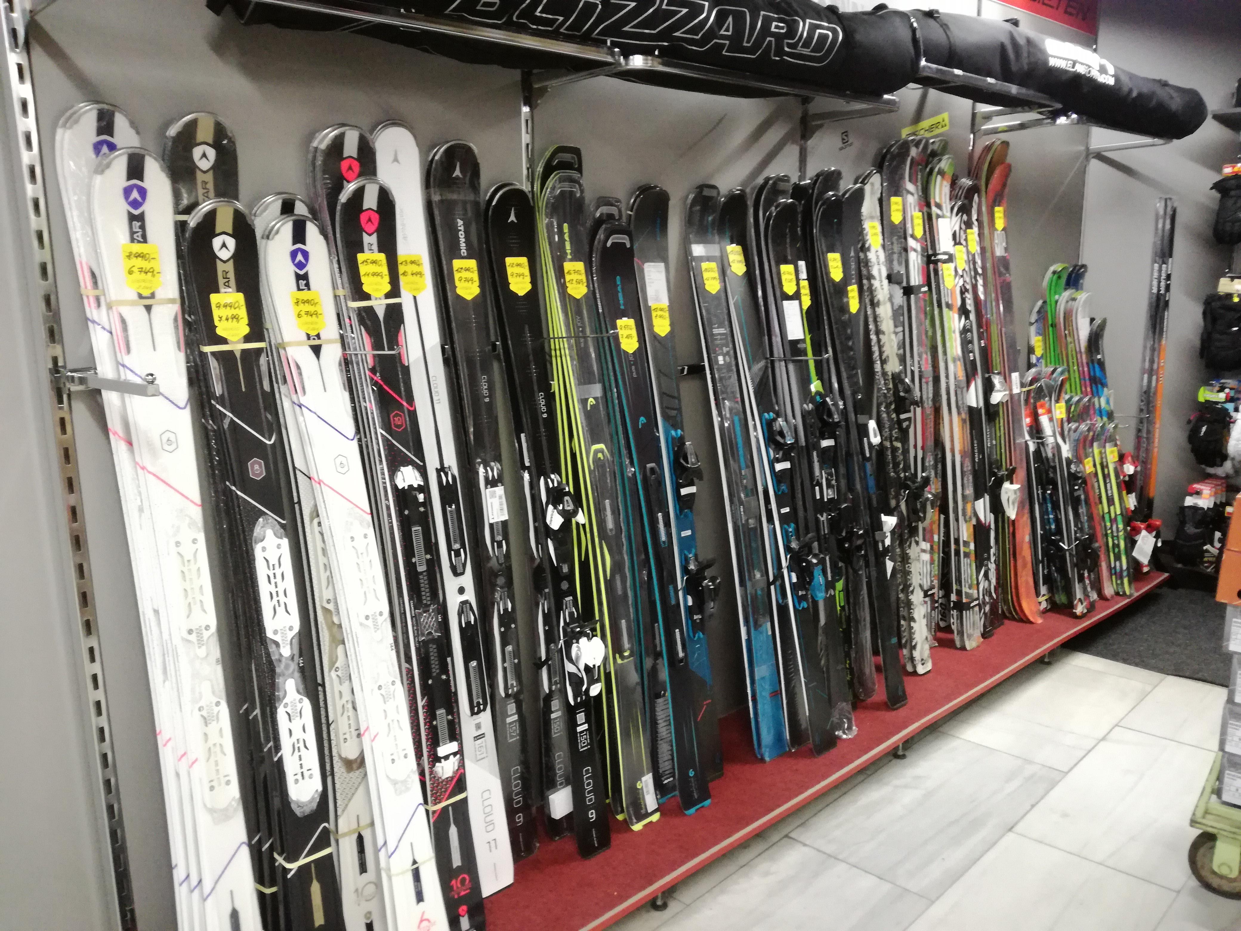 6fa26e693ff Půjčovna lyží v Jihlavě - Sport 2000 Jihlava